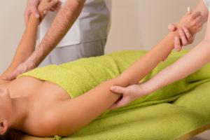 Vierhändige Massage