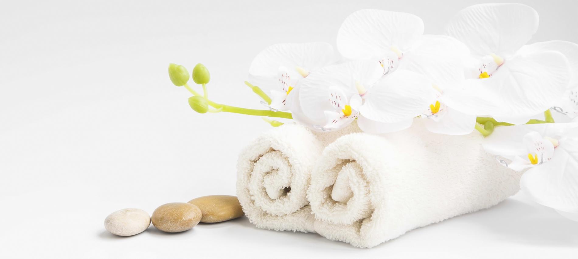 vierh ndige massage von 2 therapeuten bei entspanntes berlin. Black Bedroom Furniture Sets. Home Design Ideas